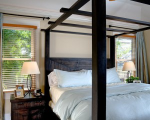 6071aa2f0d0fdfa5_3310-w550-h440-b0-p0--traditional-bedroom