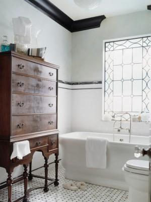 74517419007c29c0_3648-w550-h734-b0-p0--victorian-bathroom