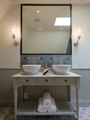 90f102f203a2e97c_5820-w550-h734-b0-p0--transitional-bathroom