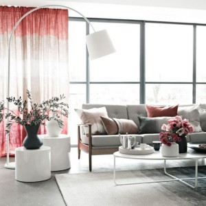 Select-the-right-curtains-for-the-living-roompink