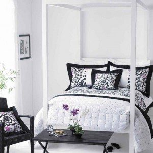 Stylish-bedroom-in-black-and-white-1024x1024