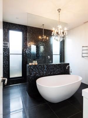 a7e1c33b03dc2f7c_0129-w500-h666-b0-p0--contemporary-bathroom
