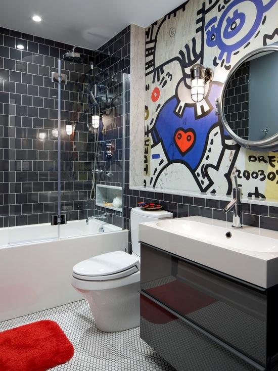 черная плитка в ванной комнате