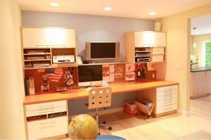 contemporary-kids-home-office-decor