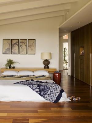 d3916ea30d3e2714_3117-w550-h734-b0-p0--midcentury-bedroom