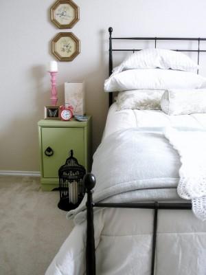 d79113510d36f04e_3165-w550-h734-b0-p0--eclectic-bedroom