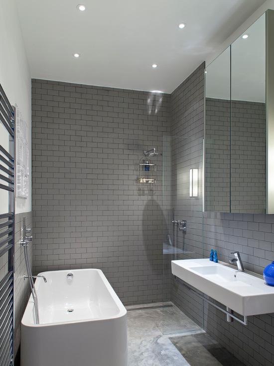 Дизайн ванной из серой плитки
