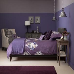 purple-floral-bedroom