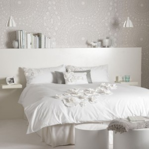 white-lace-bedroom
