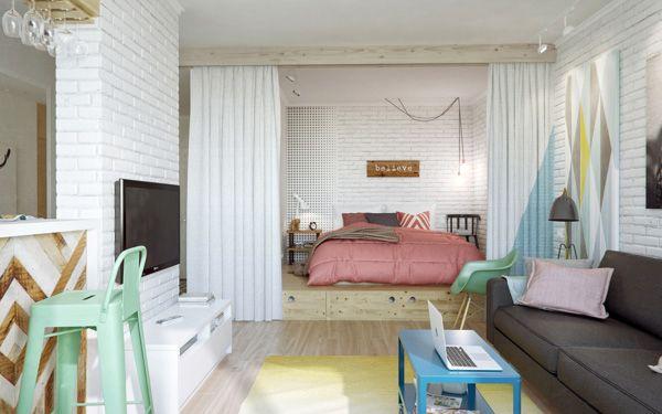 Кровать-подиум зонирует спальное место