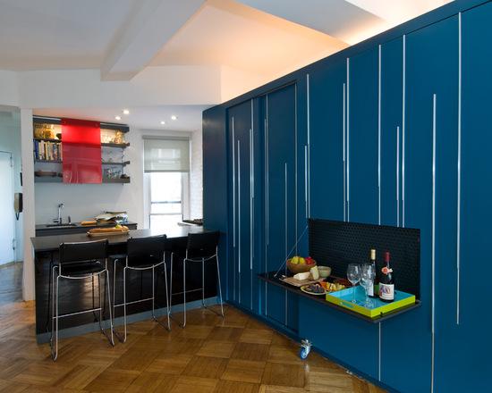 Диагонально уложенная плитка как вариант визуального расширения маленькой квартиры