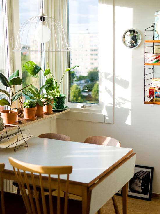Раскладной стол как вариант экономии пространства