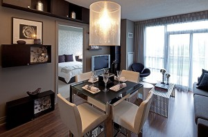 Compact-modern-dining-space-with-a-gorgeous-table-at-its-heart