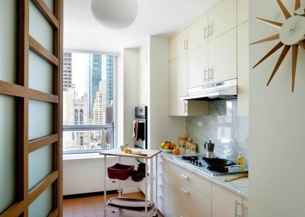 Малогабаритная кухня белого цвета