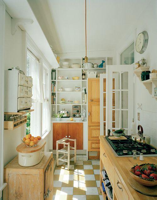 Кухня прямоугольной формы