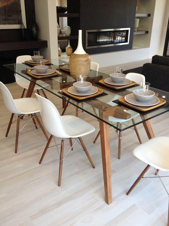 Специальные подставки на обеденном столе гармонируют с интерьером