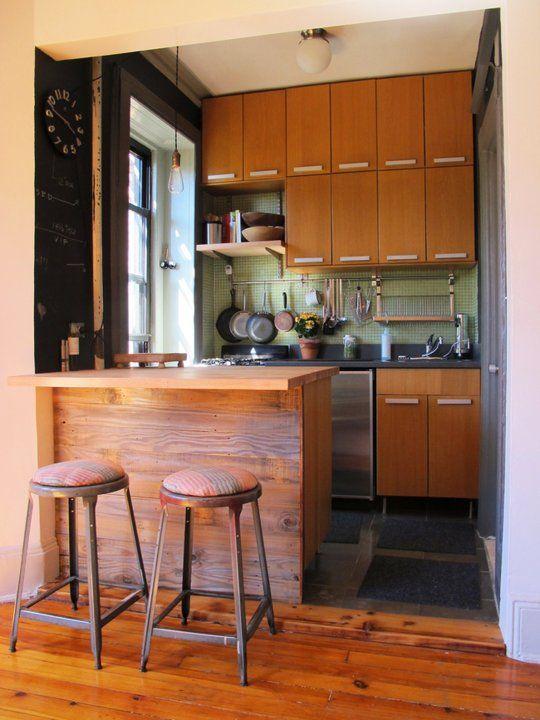 Фото интересных дизайнов маленьких кухонь