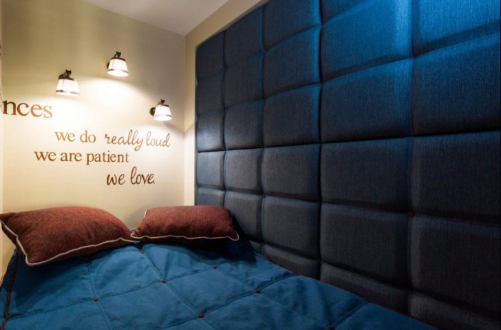 Мягкая стена в спальне