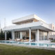 Дом из стекла и бетона  –  легко и вдохновляюще