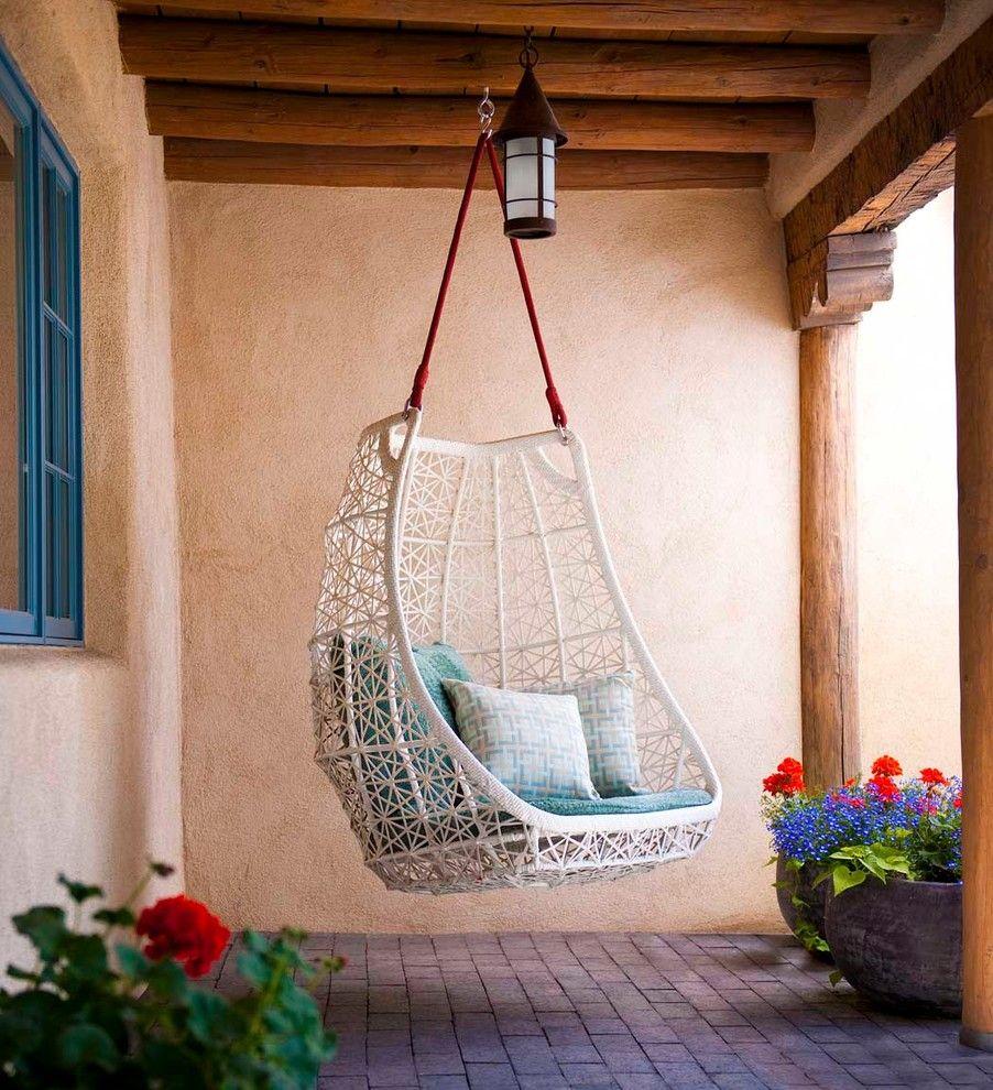 Металлические качели в вашем саду - 52 фото примера.