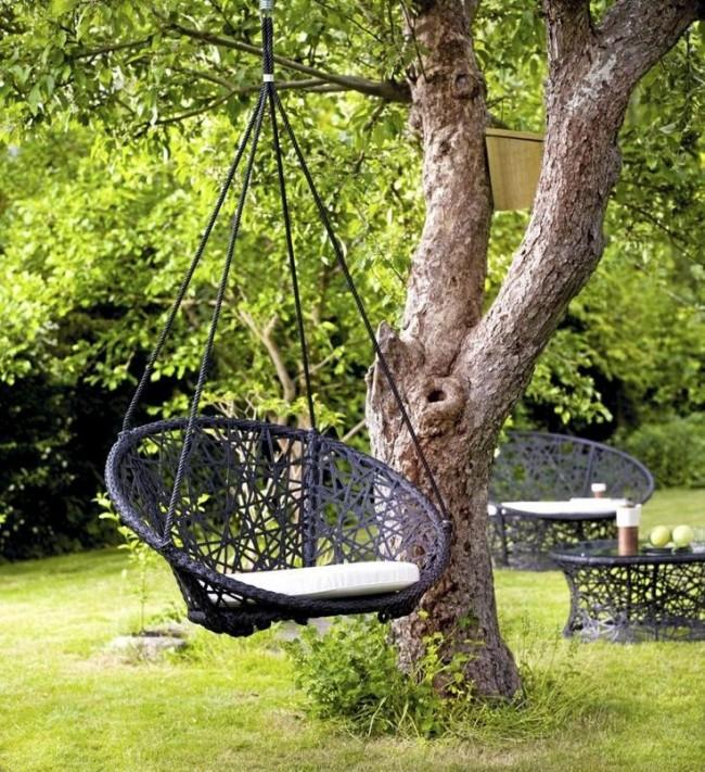Садовые качели из металла