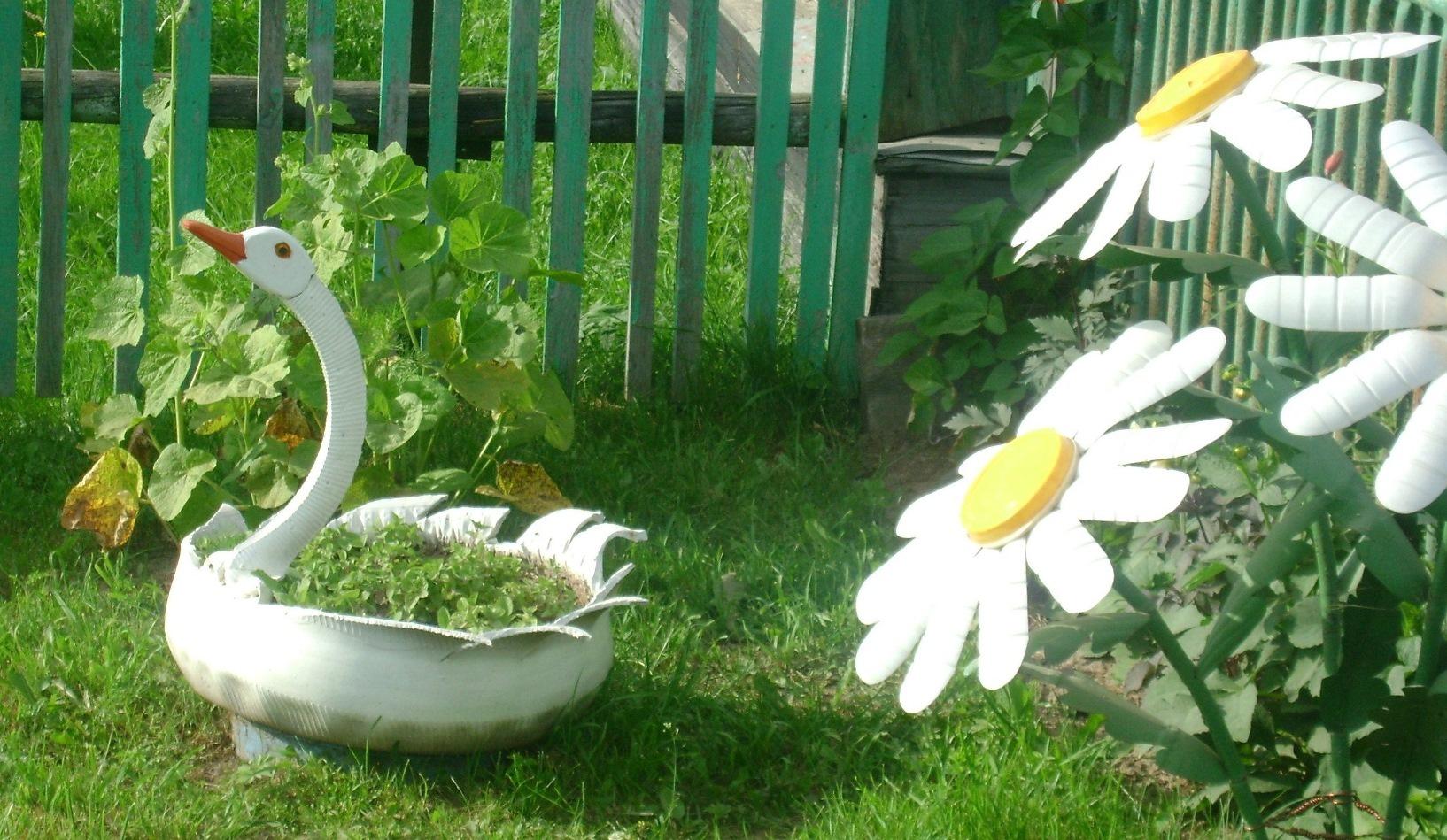 Поделки из колёс для сада и огорода