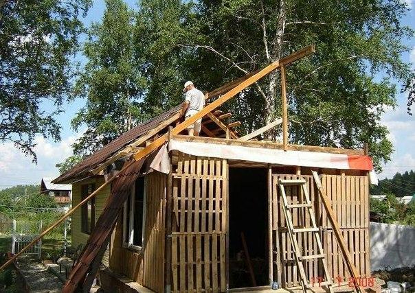 постройки для дачи из поддонов