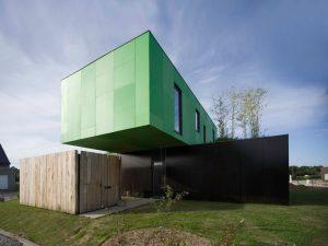 eco-friendly-crossbox-house-3