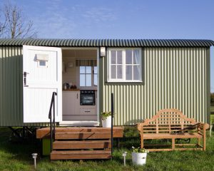 e5b1c65f043ce810_6825-w550-h440-b0-p0-farmhouse-shed