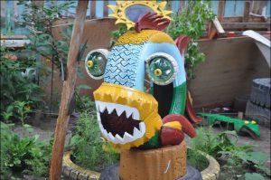 idea-para-decorar-un-parque-infantil-o-jardin-con-neumaticos-reciclados-7-718x477