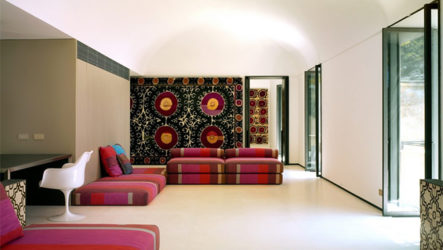 Старинный особняк с дизайном интерьеров в этническом стиле