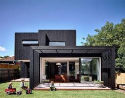 Органичное соседство – викторианский каменный дом и современная пристройка