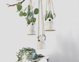 Ветки деревьев в интерьере: как украсить дом своими руками
