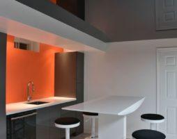 Натяжные потолки в кухонном интерьере