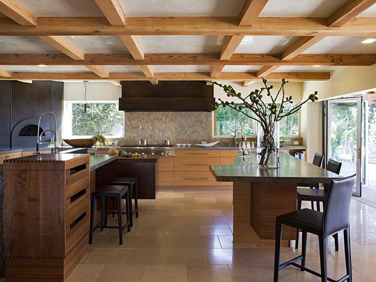 Дизайн кухня с низким потолком