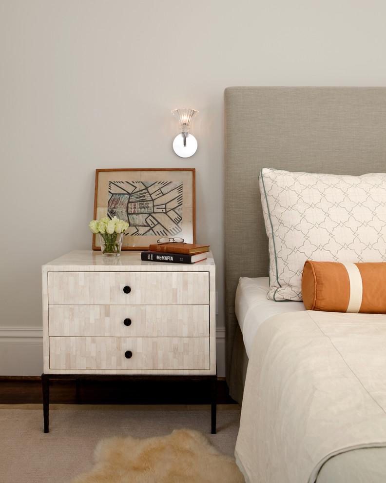 Прикроватные тумбочки для спальни фото в интерьере