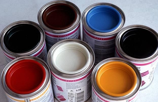 Какая краска ляжет на лак?