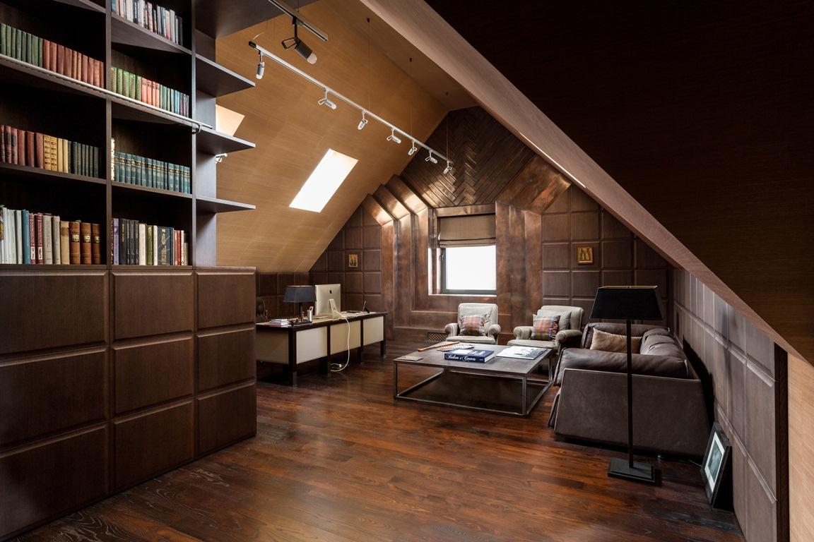 Дизайн кабинета в мансарде