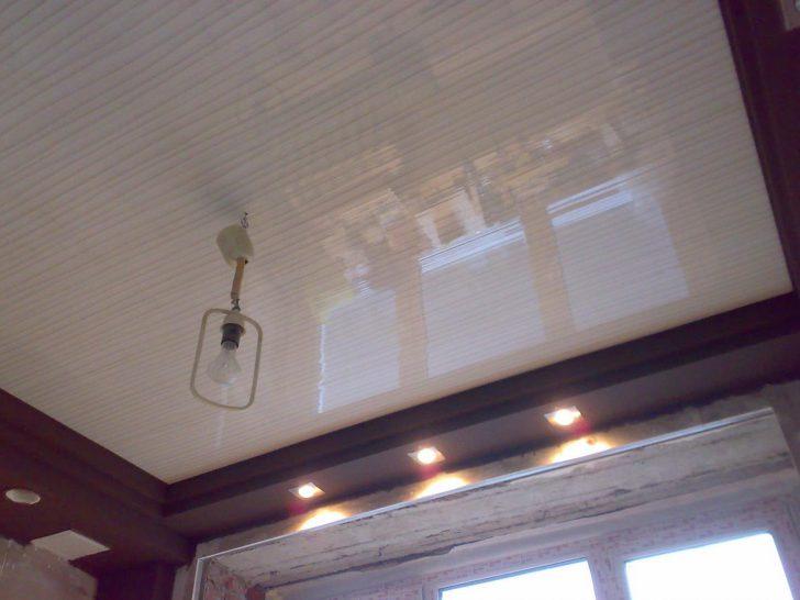 дизайн потолков на кухне