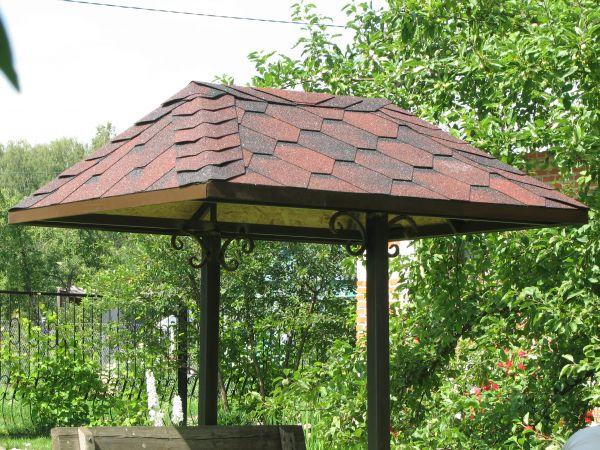 Крыша над колодцем