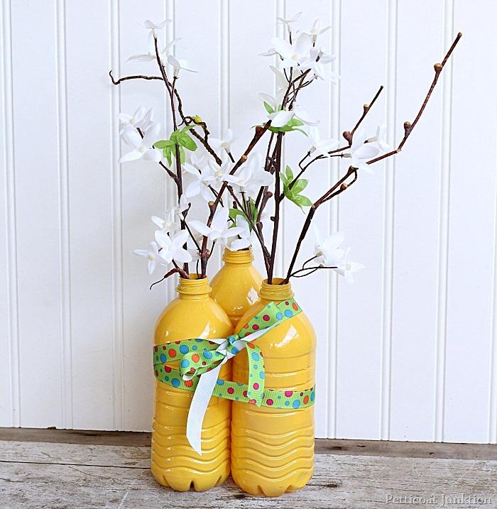 Большая ваза из пластиковой бутылки своими руками 381