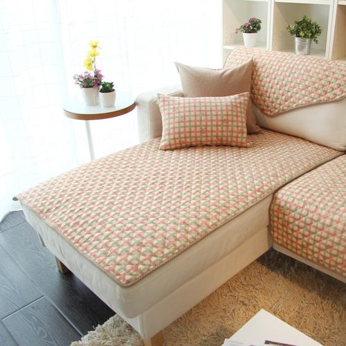 накидка на диван способ улучшить интерьер фото примеров