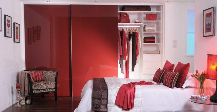 Шкаф-купе в спальне, как выбрать - фото примеров.