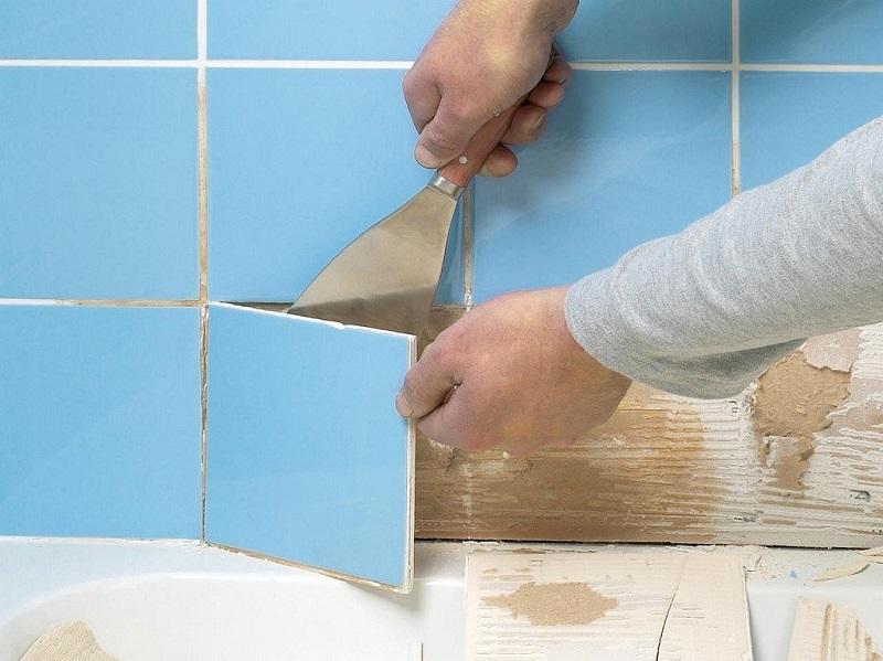 Как снять старую плитку со стены своими руками 16