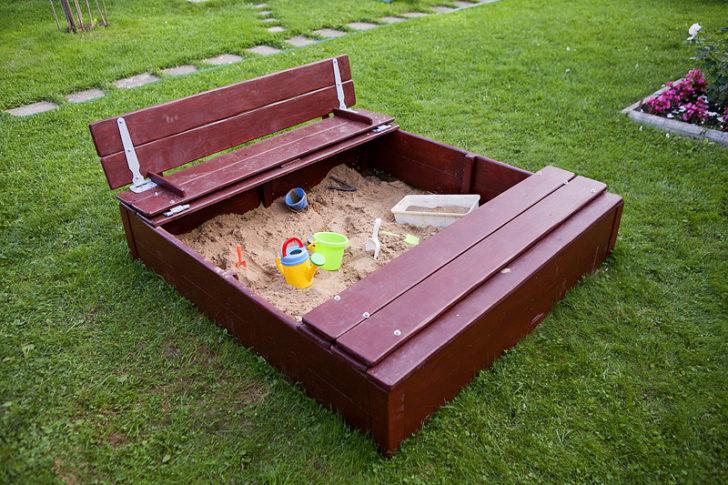 песочница для дачи