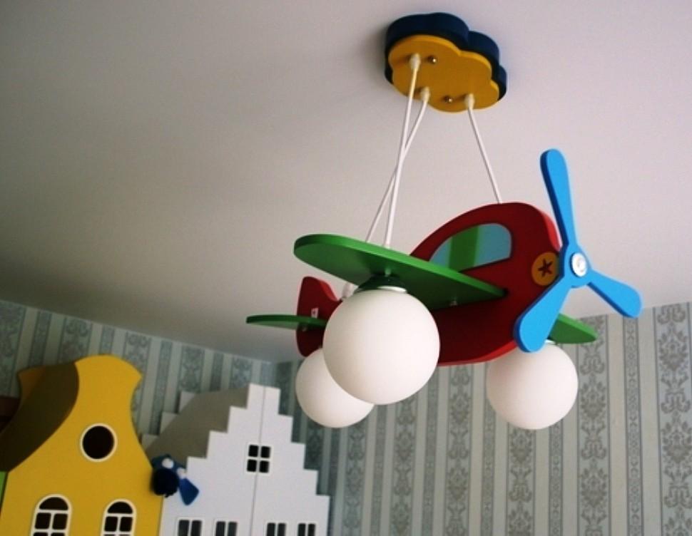 Самолет люстра в детскую