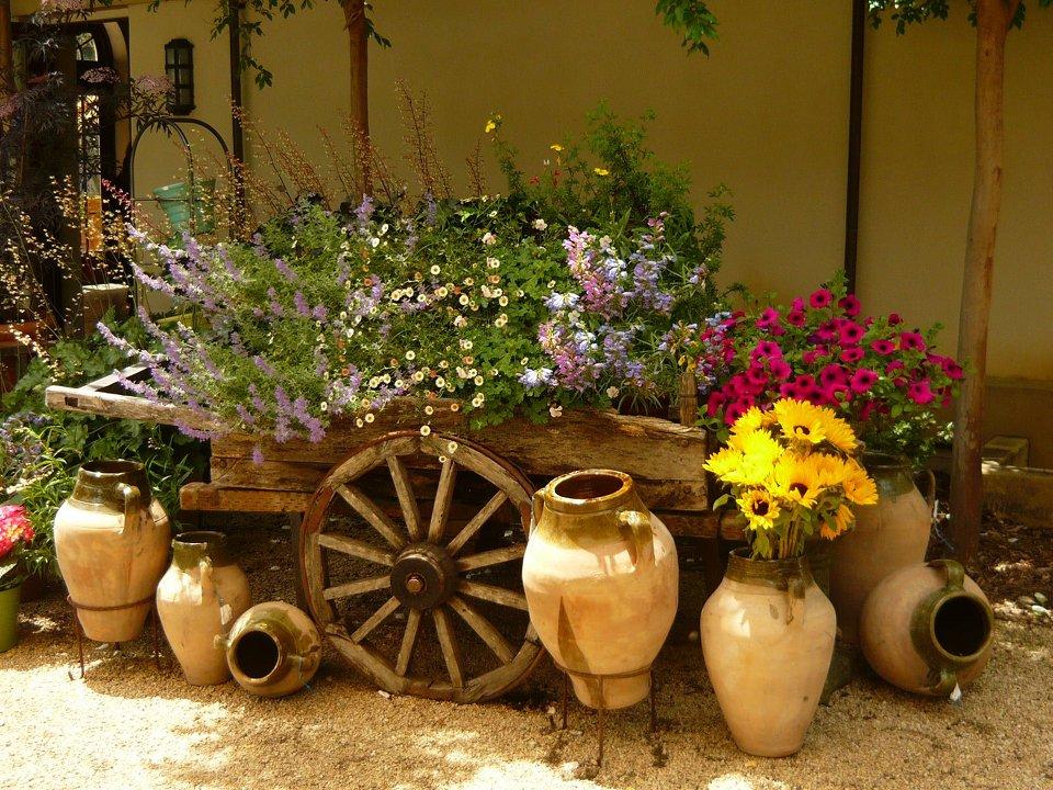 Декоры своими руками в саду 434