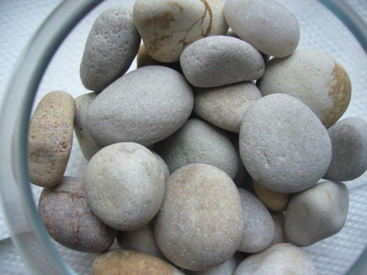 камни в интерьере