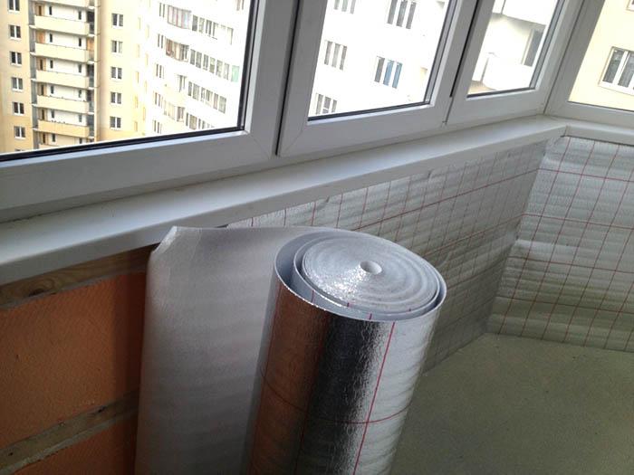 рабочее место на балконе