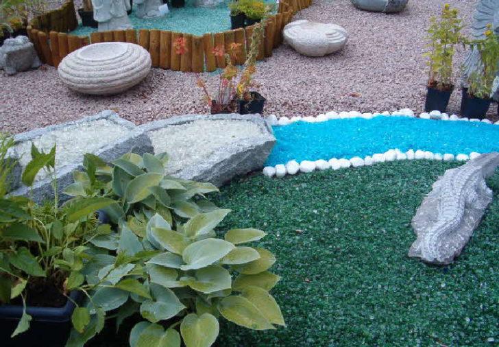 три красивый ландшафт на даче с разноцветными камешками многие приметы